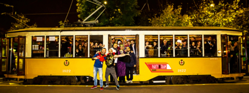 party-in-tram-milano-vettura